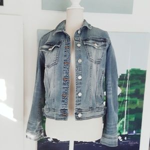 NWOT ZARA DISTRESSED LIGHT WASH DENIM JEAN JACKET